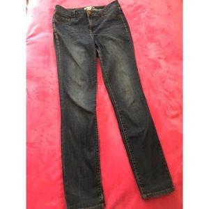 Refuge medium dark blue jeans